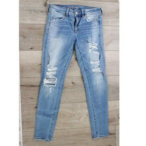 American Eagle Women's 6 ripped jeans